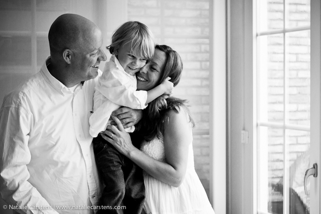 Family maternity portrait session in The Hague with Natalie Carstens | The Birth Photographer