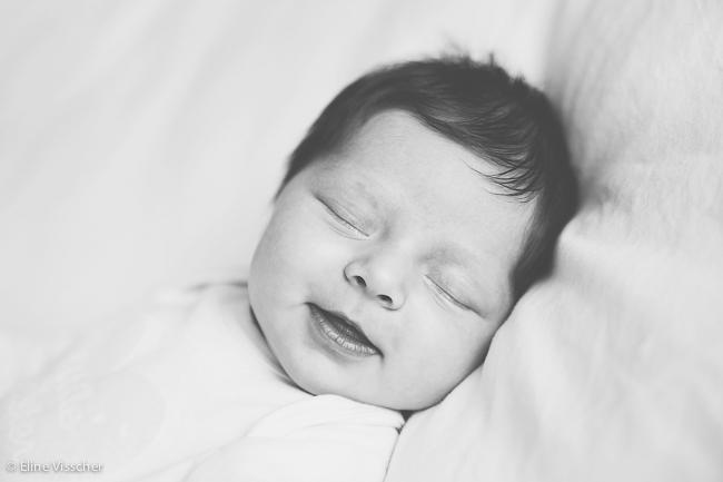 09-newborn-baby-girl