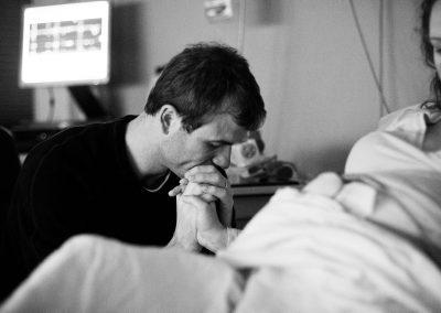 4-natalie-carstens-birth-story-photographer-newborn-baby-delft-reinier-de-graaf-a-01
