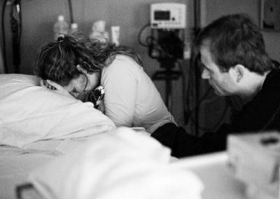 4-natalie-carstens-birth-story-photographer-newborn-baby-delft-reinier-de-graaf-a-03