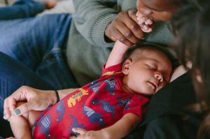 natalie-carstens-newborn-baby-family-3.jpg